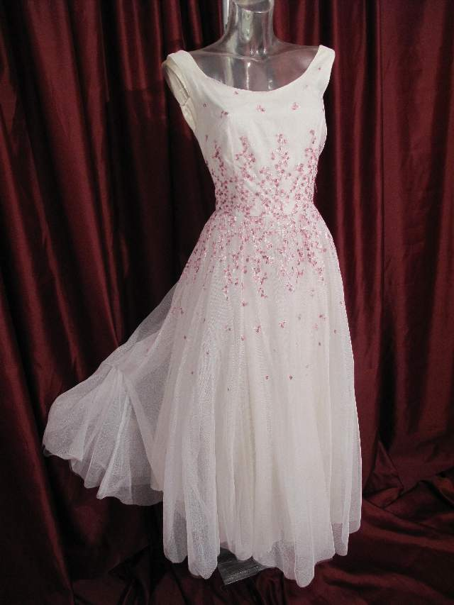 1990 S Contemporary Vintage Style White Tulle Wedding Dress